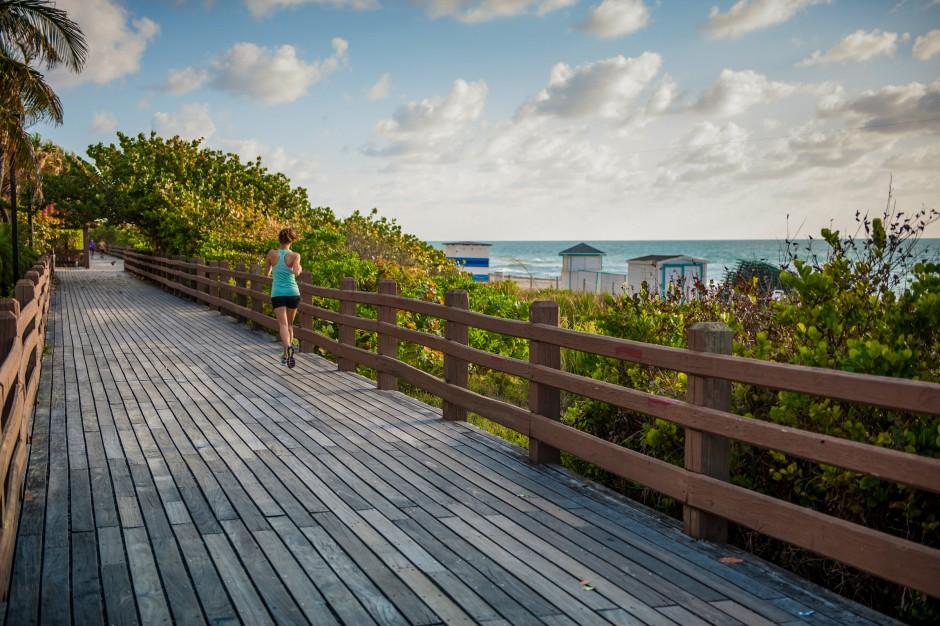 Boardwalk jogger