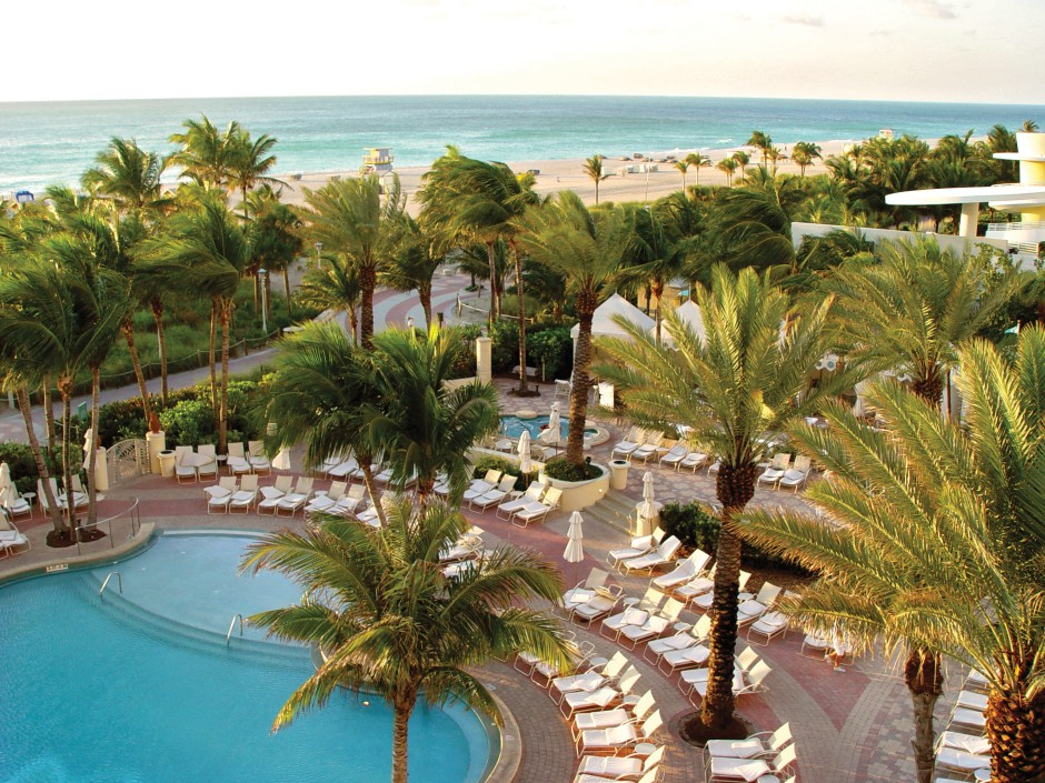 Loews Miami Beach pool 1