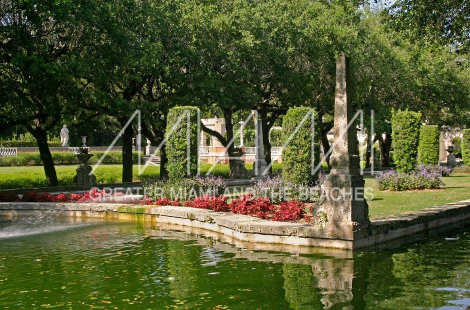Vizcaya Museum and Gardens garden fountain