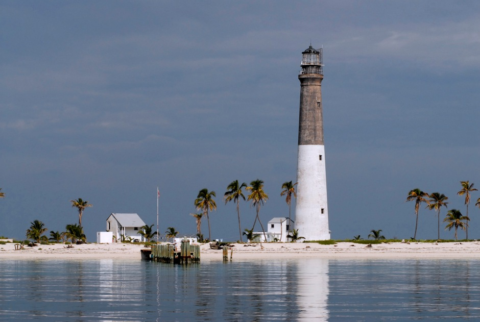 Dry_Tortugas_Lighthouse_2005