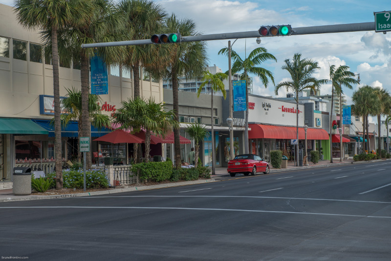 Town of Surfside shopping district
